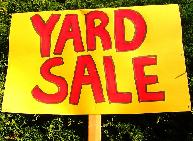 How to organize a yard sale?