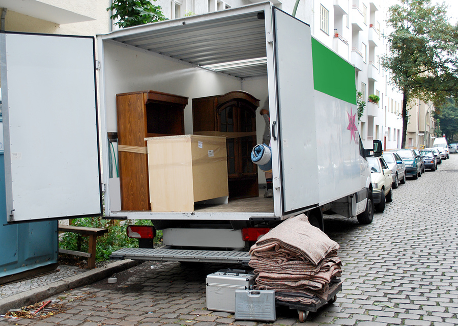 How to avoid injury when moving