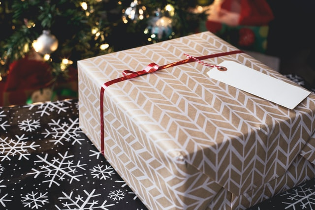 The ultimate guide to organizing a move during holidays
