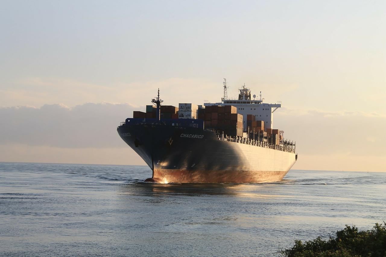 Guide to import/export regulations between Arizona and Kuwait