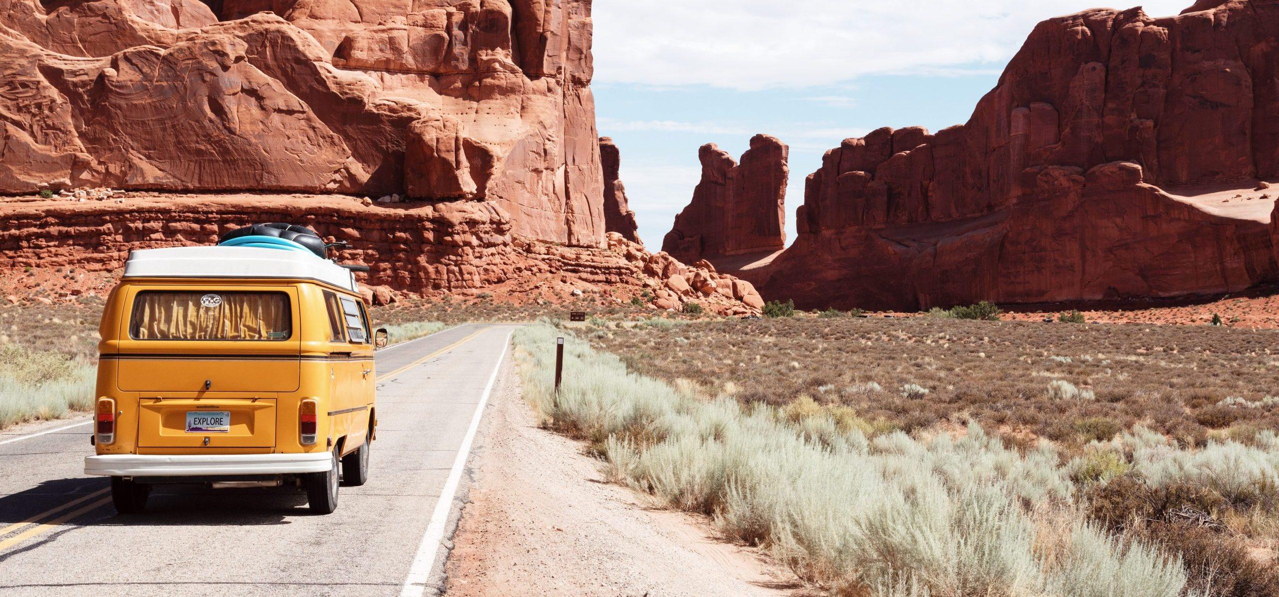 Organize a family move from Arizona to Nevada: tips and tricks